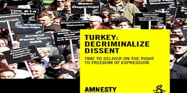 Amnesty: In Turchia il diritto alla libertà d'espressione è sotto attacco