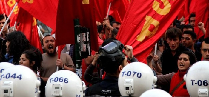 La polizia ha attaccato la manifestazione per Deniz, Yusuf ed Huseyin