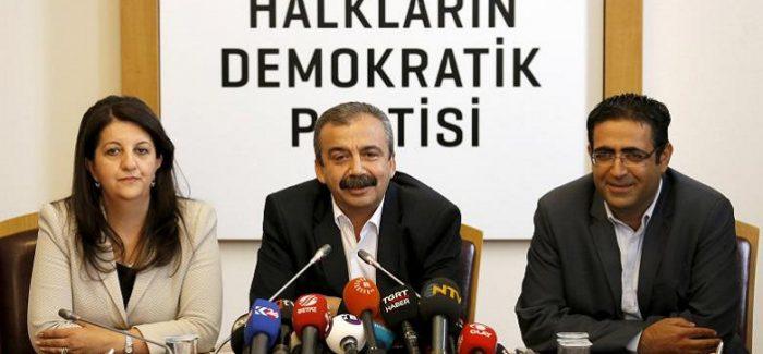 La Turchia incarcera l'ex deputato di HDP Sırrı Süreyya Önder
