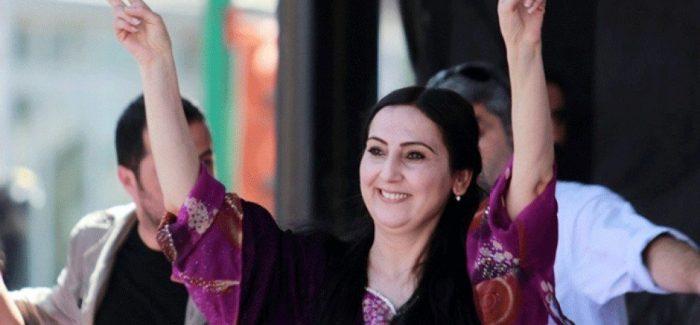 È stata chiesta una condanna di dieci anni per Figen Yüksekdağ a causa dei suoi interventi