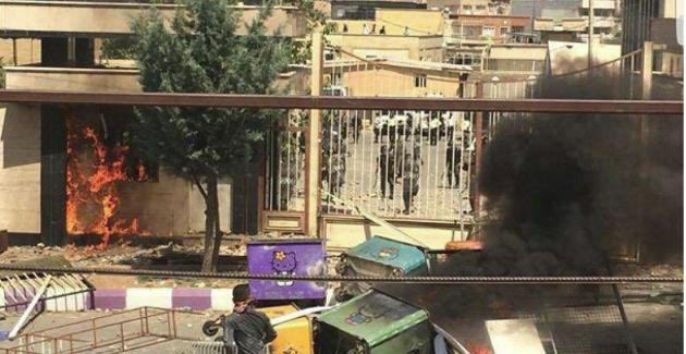 Iran: Continuano gli arresti di cittadini che hanno manifestato per l'uccisione dei Kolbars curdi
