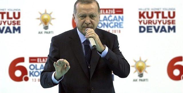 Erdoğan difende i suoi jihadisti
