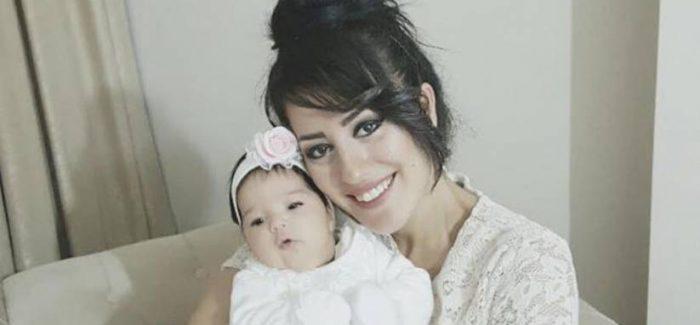 L'insegnanteAyşe Çelik verrà mandata in cacere con il suo bimbo il 20 aprile