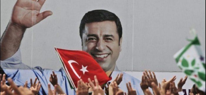 Le forze democratiche e di sinistra dovrebbero unirsi attorno all'HDP