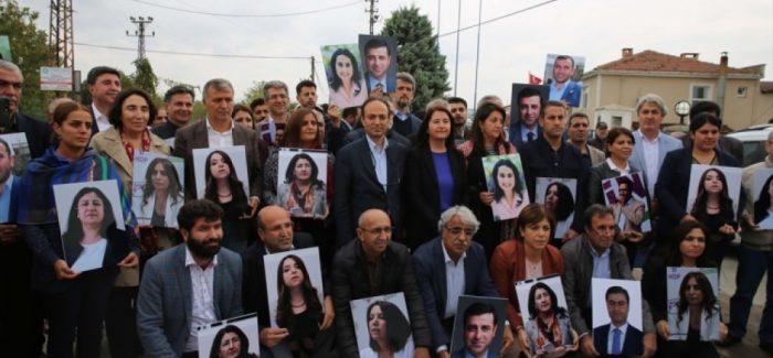 Deputati curdi tenuti in ostaggio da due anni