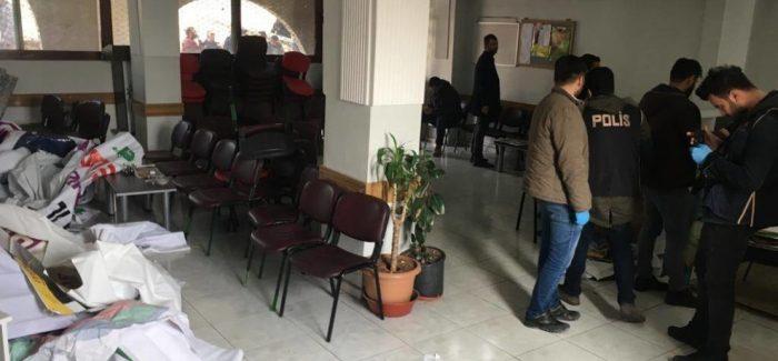 Incursione della polizia nella sede di HDP di Urfa: 40 persone poste in detenzione