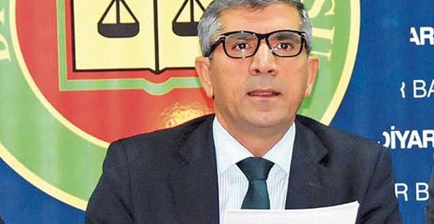 Commemorazione di Tahir Elçi sul luogo del suo assassinio