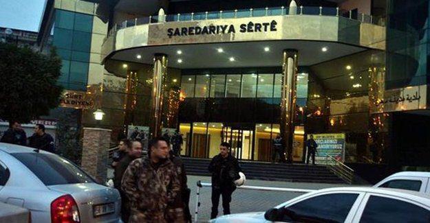 Continua in Turchia la repressione sui politici curdi: altro giro di fermi e di arresti.