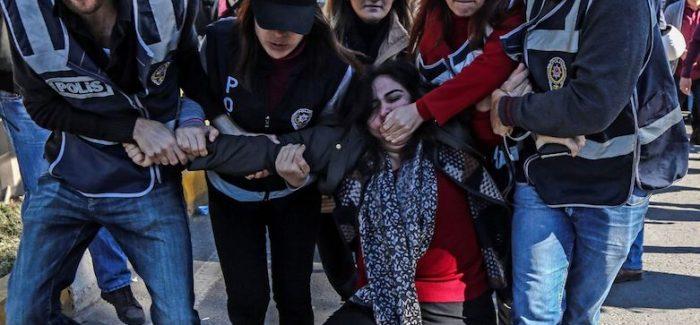 Altri politici curdi condannati ad anni di detenzione in Turchia