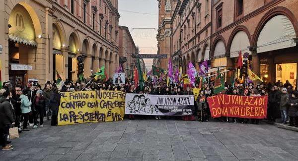 Bologna: Foto e video del corteo per Sakine, Fidan e Leyla